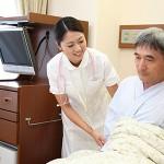 介護職の仕事内容とは?老人ホームのスタッフが語る、苦労と やりがい。